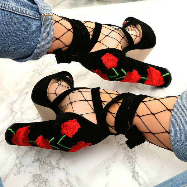 Lace-up Chunky Heels