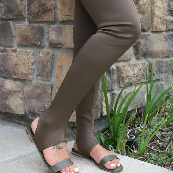 flat round toe boots